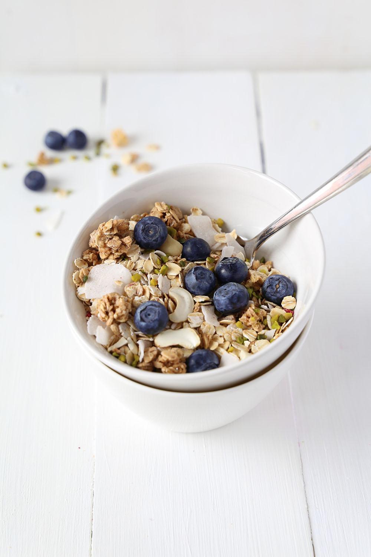Healthy 5-Ingredient Vanilla Tahini Granola