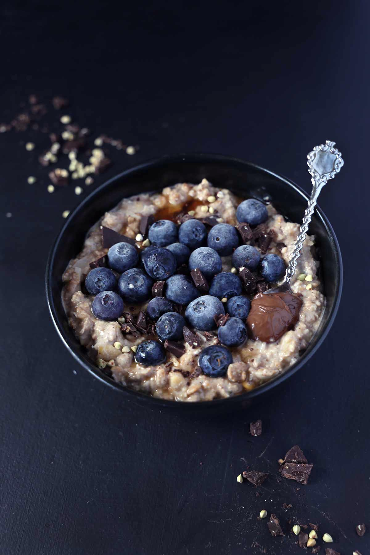 Super creamy chocolate oatmeal {vg, gf, refined sugarfree}