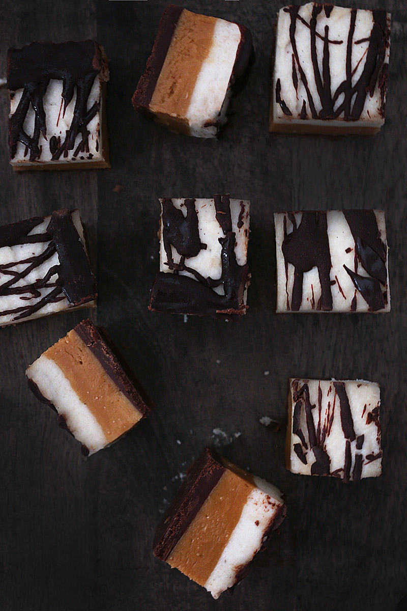 Raw Vegan Snicker Cheesecakes