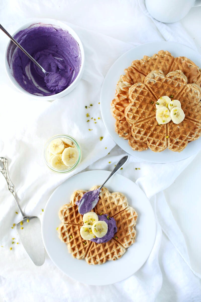 Easy vegan gluten-free Waffles with an antioxidant bluberry cream