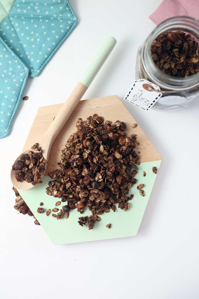 10 minute Vegan Nutella Granola made in a pan