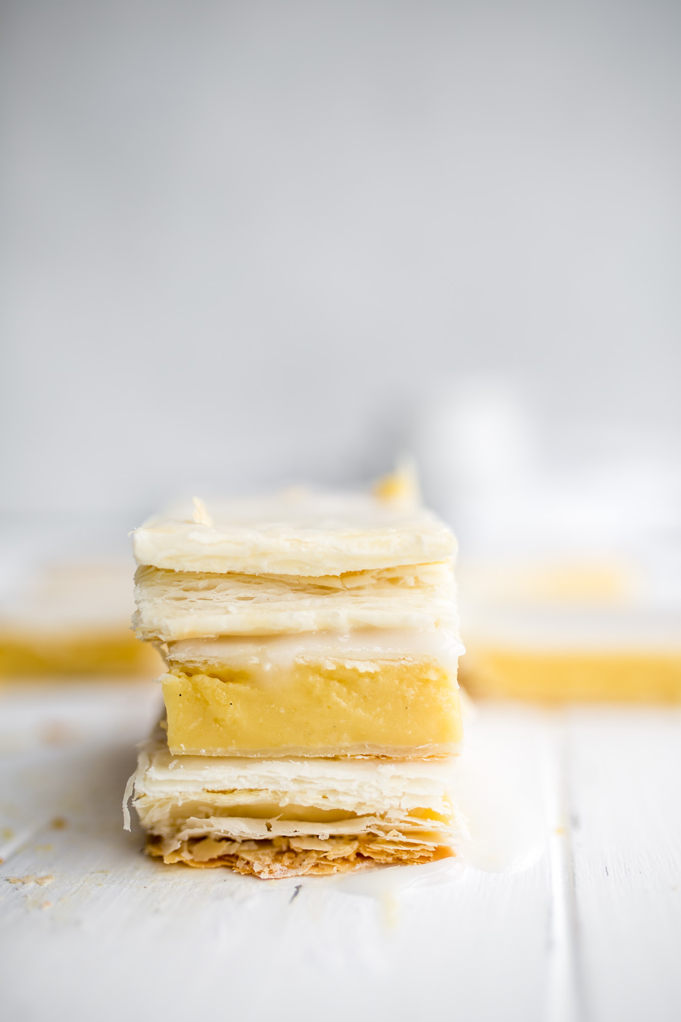 Easy vegan custard cakes