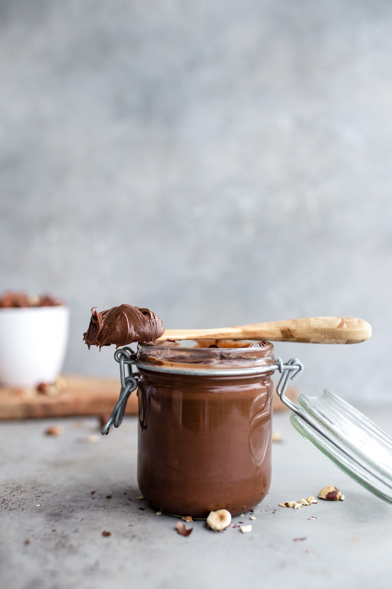 "Vegan ""Nutella"" with only 2 INGREDIENTS!"
