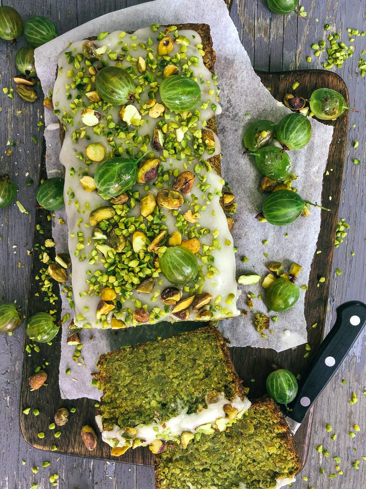 8- ingredients vegan pistachio cake